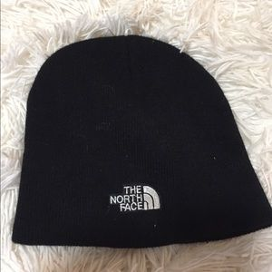 The North Face beanie EUC